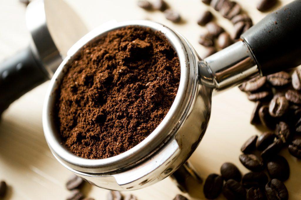 Kávu milovali lidé už před pěti sty lety natolik, že si povídali legendy o tom, jak byla objevena.