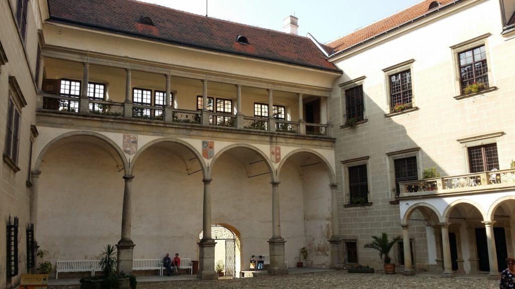 Renesanční zámek je dominantou města Telč.