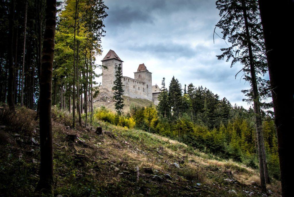 Kašperk je nejvýše položeným hradem v ČR.
