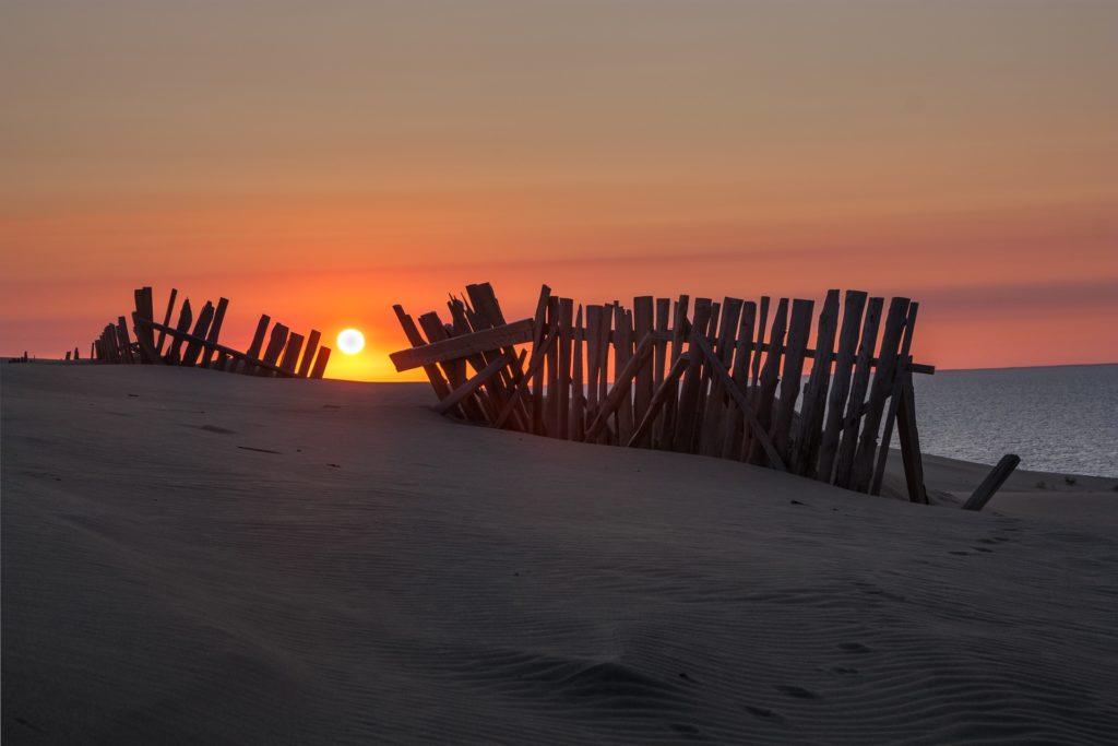 Takzvaná litevská Sahara je poloostrov, jeho jižní část patří Rusku, severní Litvě.