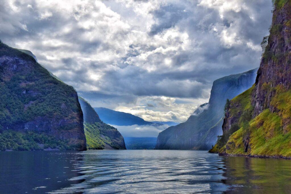 Sognefjord – nejdelší norský fjord.