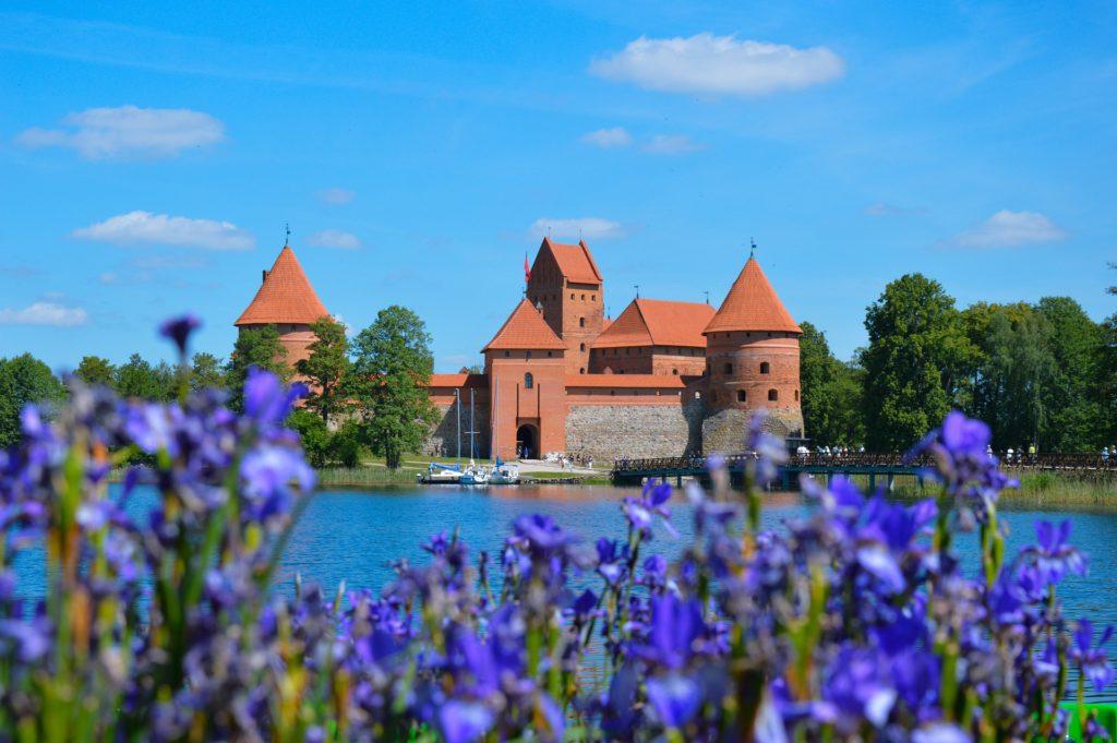 Vodní hrad Trakai je dominantou stejnojmenného městečka.