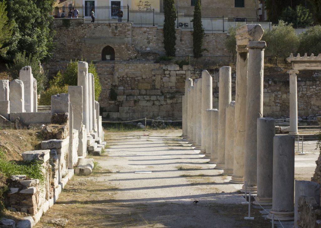 Agora ve starověku sloužila jako místo setkávání.